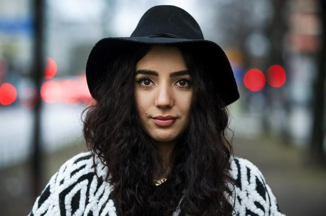 Gina Dirawi = årets julvärd