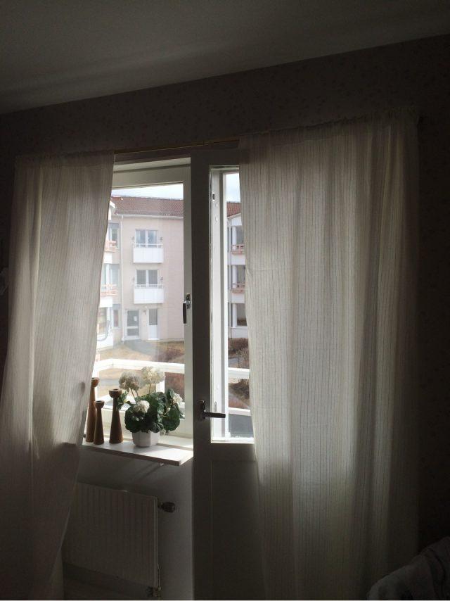 Städat och bytt gardiner
