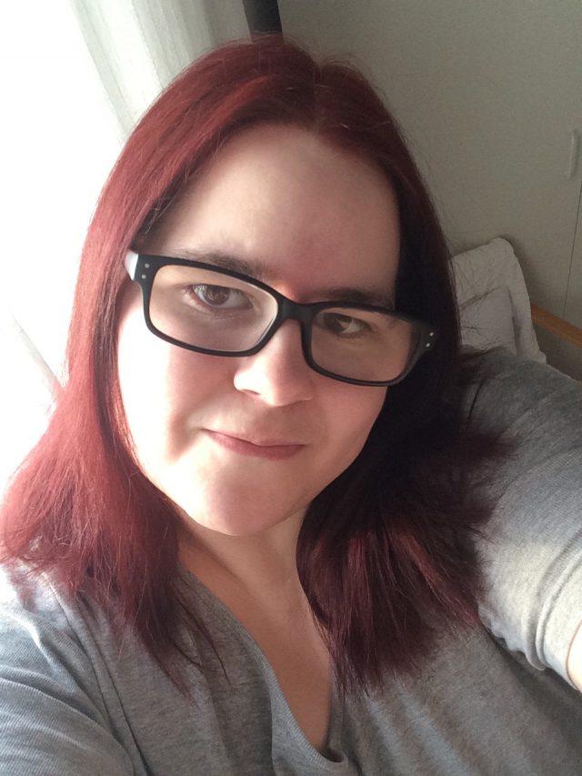 Nyfärgat hår ( Cashmere red )